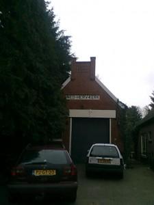 hergebruik, kerk in gebruik als garage
